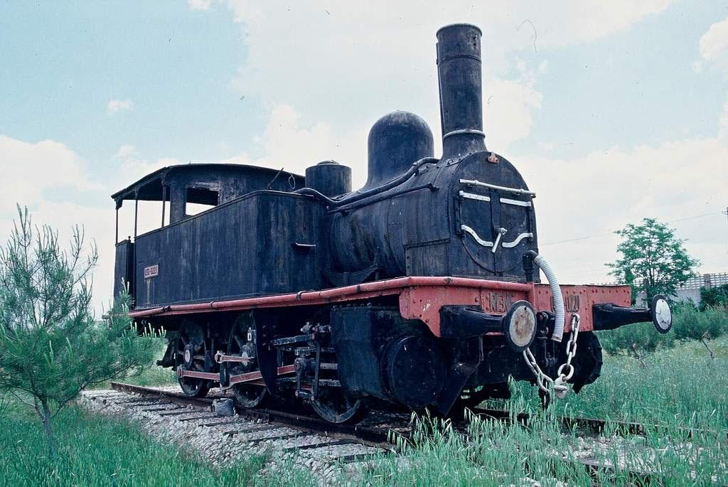 Locomotora Renfe 030-0221 preservada a Alcalà d'Henares